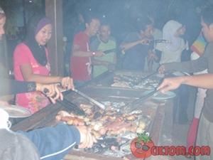 gambar aktiviti barbecue di pulau redang