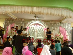 Pelamin pengantin perempuan