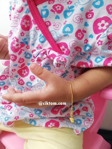 rantai tangan emas hasil main kutu